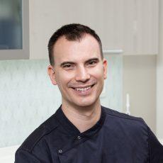 Dr. Győrfi András | Dentiste en chef